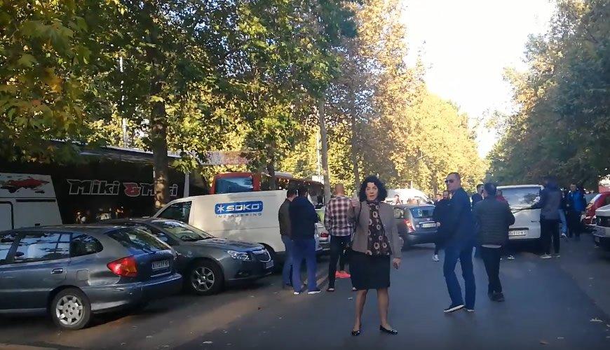 Autobusi puni Nišlija krenuli u Blace da dočekaju Vučića