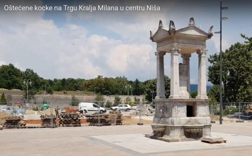 Oštećene kocke na Trgu Kralja Milana